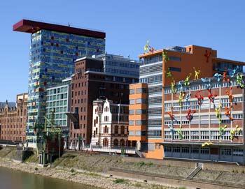 Das renovierte Hafenviertel in Düsseldorf